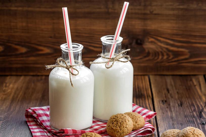 Naturalne probiotyki zapobiegają infekcjom bakteryjnym i grzybiczym dróg rodnych. Pij jogurty, kefiry lub maślanki jak najczęściej /123RF/PICSEL