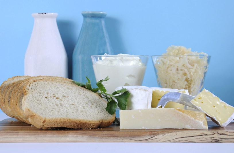 Naturalne probiotyki znajdziesz w kiszonej kapuście, kefirze i jogurcie /123RF/PICSEL
