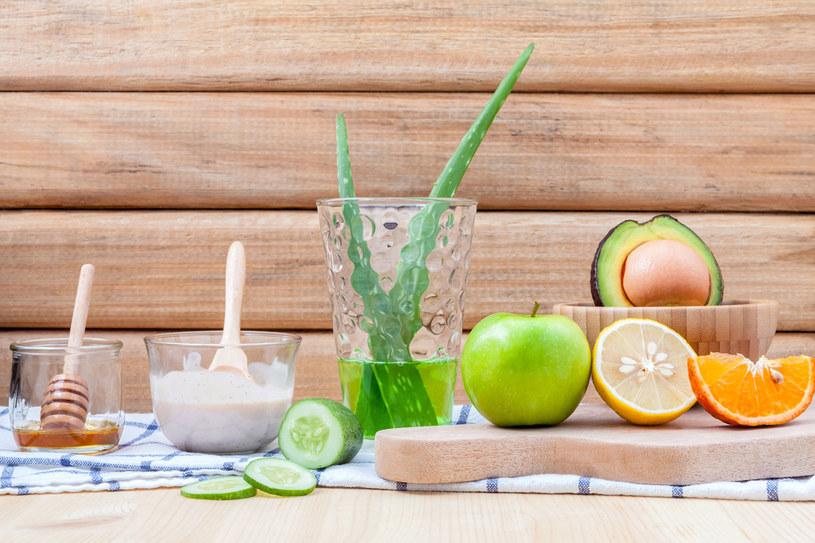 Naturalne produkty pomagają dbać o urodę. Sporo z nich znajdziesz na kuchennych półkach /123RF/PICSEL