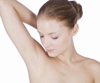 Naturalne sposoby usuwania włosów pod pachami