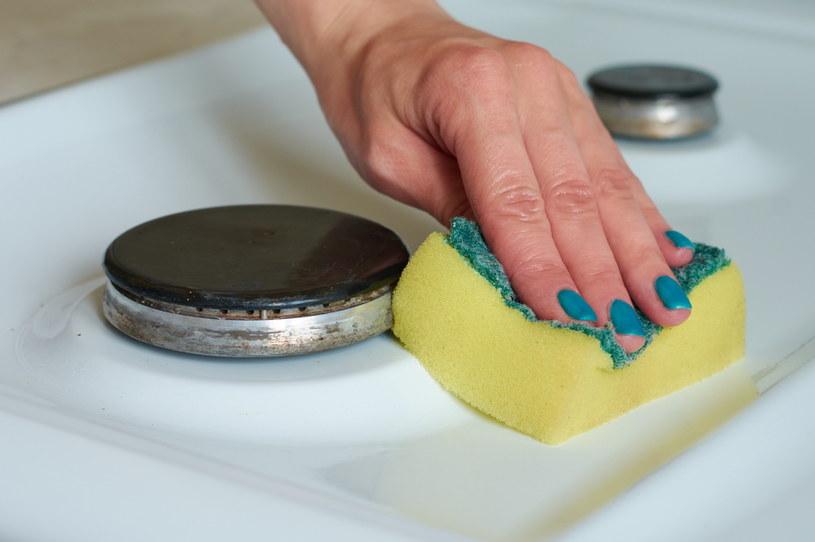 Naturalne środki czystości są nie tylko skuteczne, ale też bezpieczniejsze dla zdrowia /123RF/PICSEL