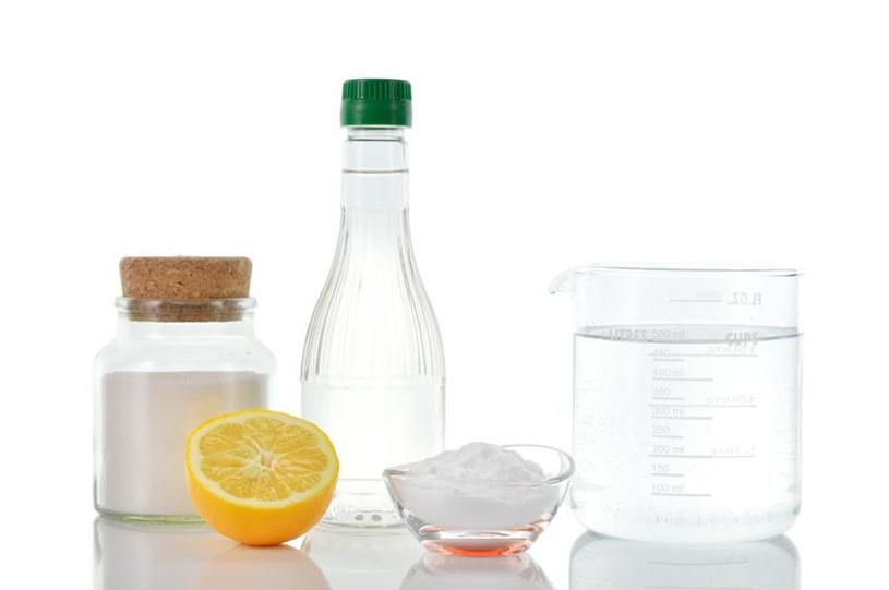 Naturalne środki do mycia /©123RF/PICSEL