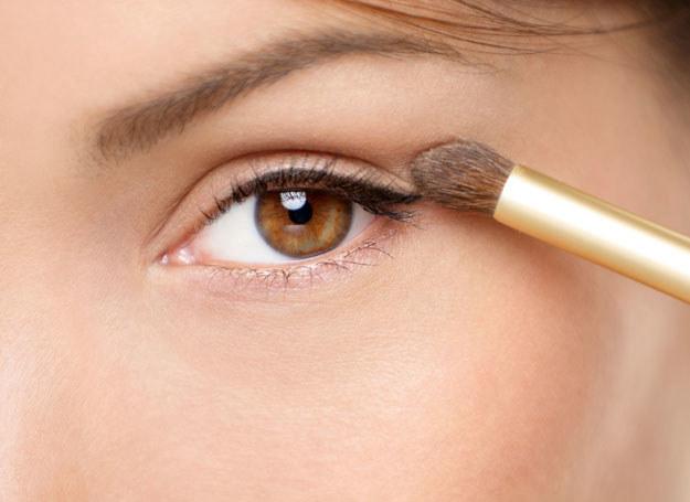 Naturalny makijaż to trend ostatnich sezonów /123RF/PICSEL