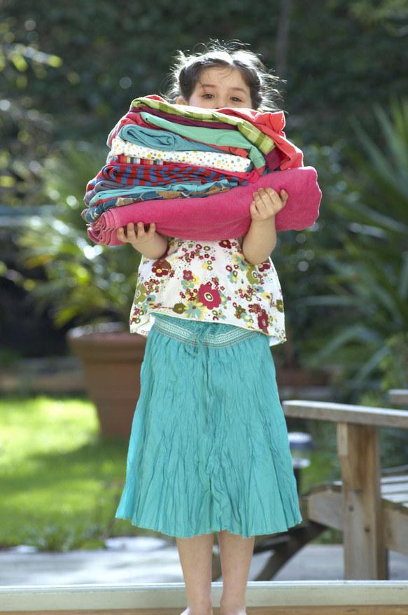 Naucz dziecko odkładania rzeczy na swoje miejsce /© Photogenica