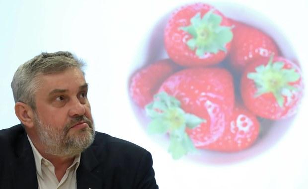 Nauczyciele mają zbierać truskawki? Po wywiadzie w RMF FM Ardanowski pisze list do ZNP