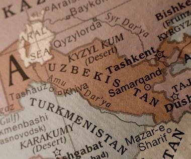 Nauczyciele w Uzbekistanie dostają pensje w kurczętach