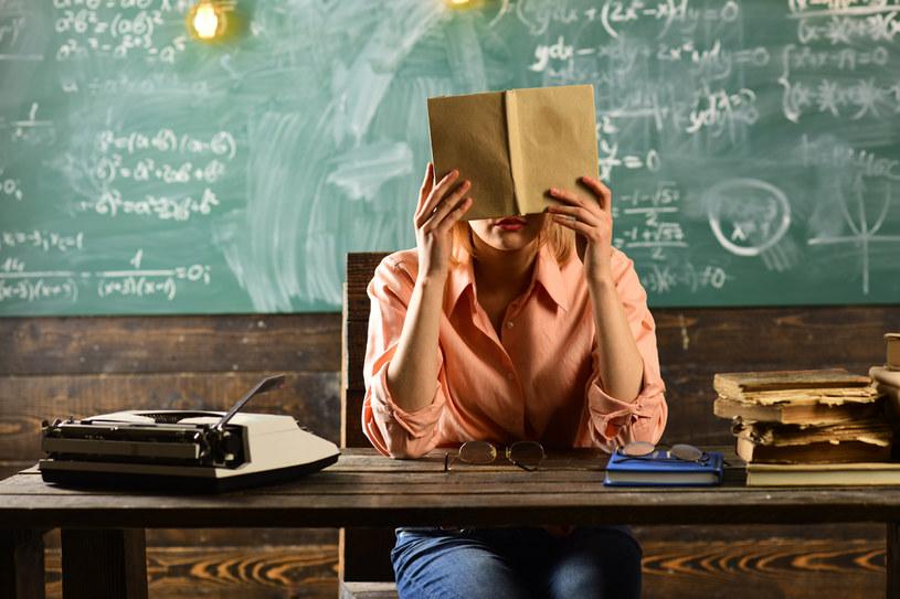 Nauczycielom ciągle się mówi, jak powinni pracować /123RF/PICSEL