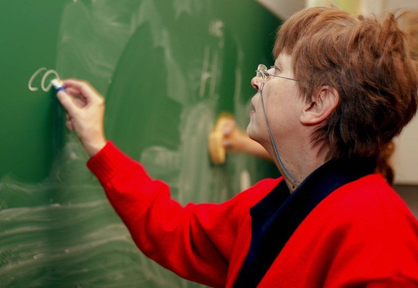 Nauczycielom grozi długotrwałe bezrobocie /East News