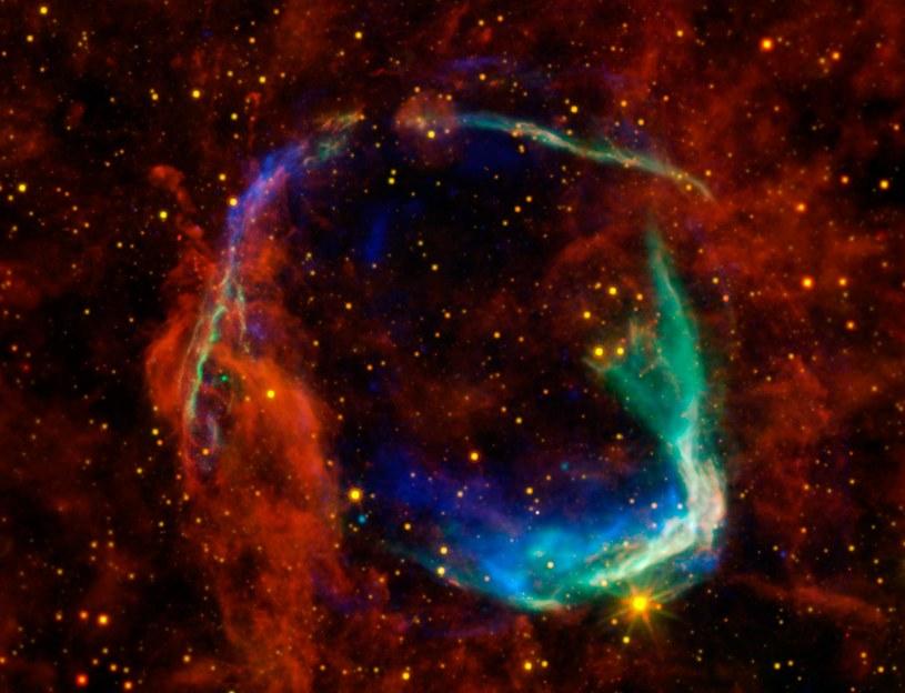 Naukowcy nie wykryli śladu życia w 100 000 przeanalizowanych galaktykach /NASA