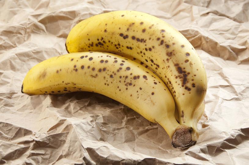 Naukowcy obalili mit bezglutenowej diety bananowej /123RF/PICSEL