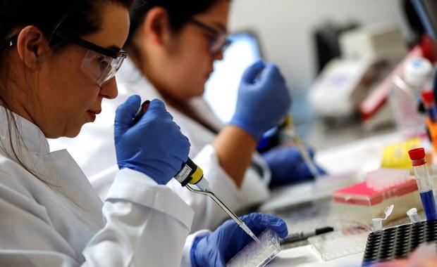 Naukowcy odkryli antywirusową substancję. Tworzy powłokę, która chroni przez 90 dni