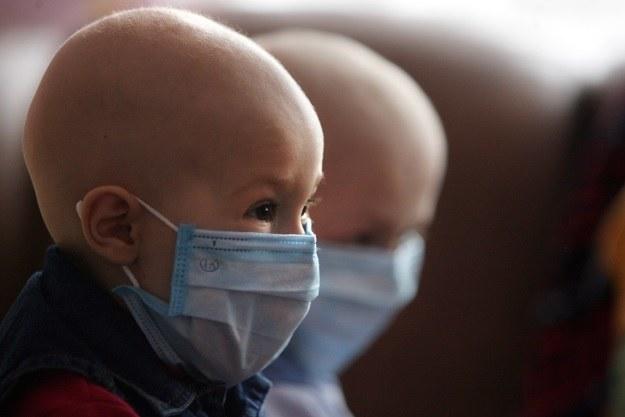 Naukowcy odkryli, że Vemurafenib - lek na czerniaka, jest skuteczny w zwalczaniu białaczki /AFP
