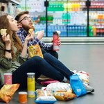 Naukowcy: Pogoń za promocjami kończy się otyłością