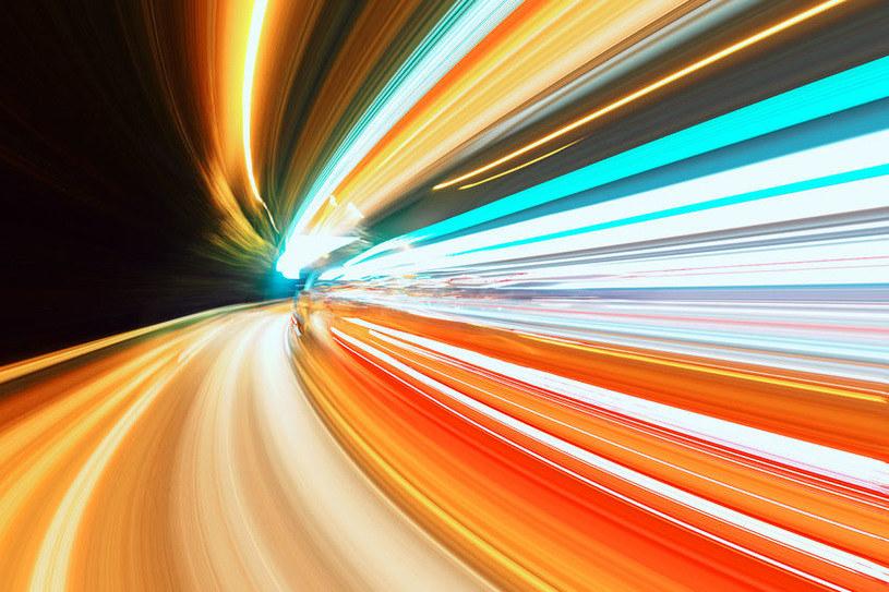 Naukowcy stworzyli nową formę światła /123RF/PICSEL