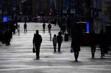 Naukowcy z Wielkiej Brytanii: W poniedziałek osiągnięty będzie próg odporności zbiorowej