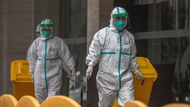 Naukowcy z Wuhanu trafili do szpitala jeszcze przed wybuchem pandemii koronawirusa