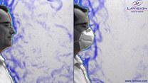 Naukowcy zbadali, jak daleko wędruje powietrze z maseczką i bez