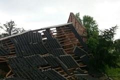 Nawałnice nad Polską. Zrywały dachy i linie energetyczne