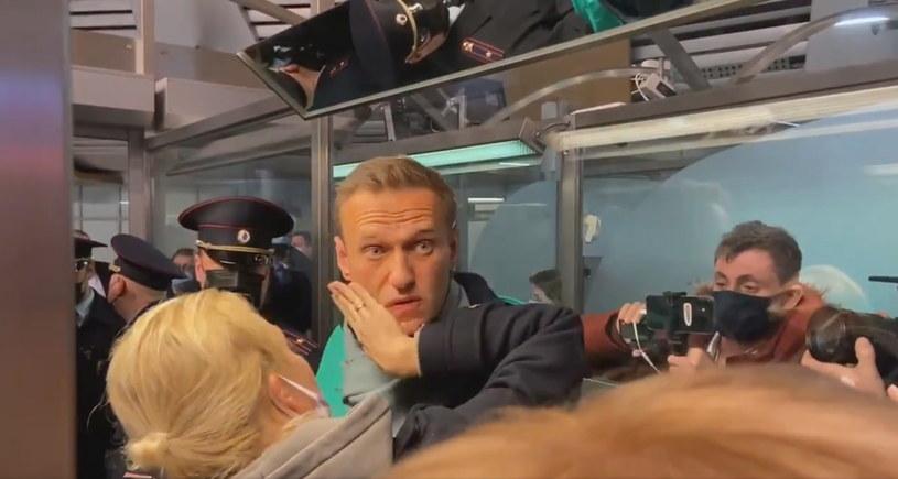 Nawalny tuż po wylądowaniu w Rosji /KIRA YARMYSH EDITORIAL USE ONLY /PAP/EPA