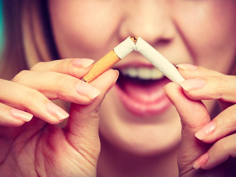 Nawet 90 procent palaczy deklaruje, że chcieliby zerwać z nałogiem /123RF/PICSEL