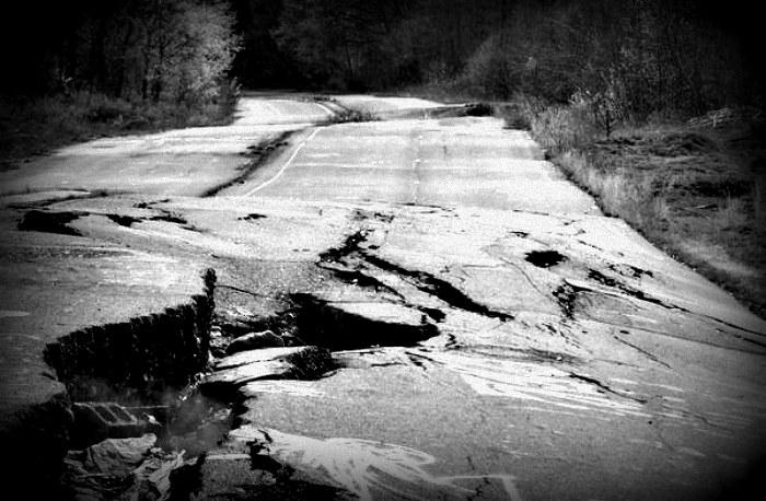 Nawet droga prowadząca do Centralii jest zniszczona przez szalejący pod ziemią pożar /materiały prasowe