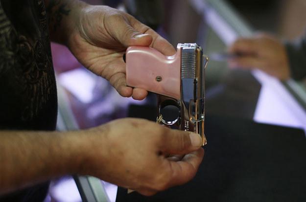 """""""Nawet mój czteroletni syn potrafi się posługiwać strzelbą niskiego kalibru"""" (zdjęcie ilustracyjne) /AFP"""