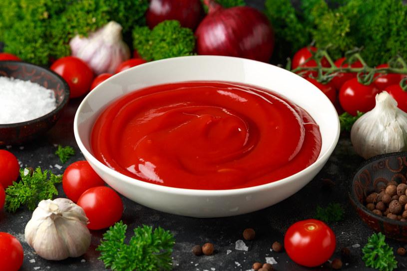 Nawet przetwory pomidorowe zawierają dużo likopenu /123RF/PICSEL