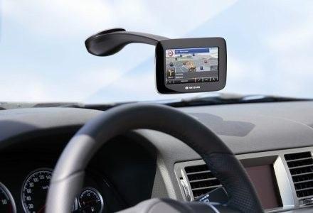 Nawigacja GPS ułatwia podróżowanie i odzwyczaja nas od papierowych map /materiały prasowe