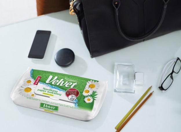 Nawilżany papier toaletowy pozwoli ci poczuć się czysto w każdych warunkach /materiały prasowe