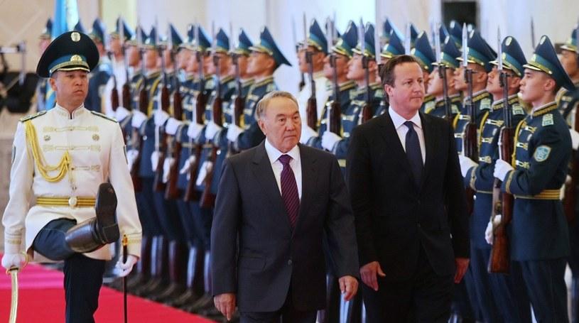Nazarbajew powiedział Cameronowi, że Zachód widzi Kazachstan w krzywym zwierciadle. /ALEXEI FILIPPOV  /PAP/EPA