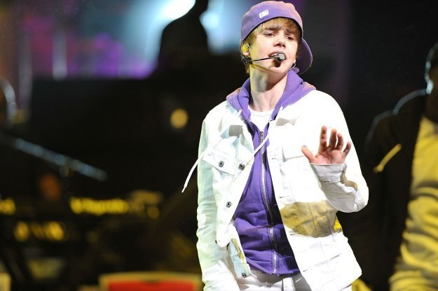 Nazwisko Justina Biebera wykorzystuje ponad 200 fałszywych stron internetowych /AFP