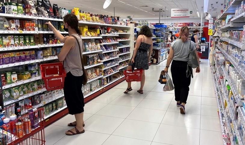 Nazwy BIO i ORGANIC na kosmetykach nie robią już wrażenia na Polakach /MondayNews