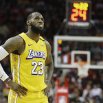 NBA. Broniący tytułu Lakers sezon zaczęli od porażki