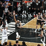 NBA: Bucks, Rockets i 76ers blisko awansu