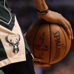 NBA: Wyczyn LeBrona Jamesa, porażki Toronto Raptors i Milwaukee Bucks