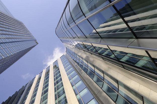NBP rekomenduje ostrożne podejście do rozwoju kredytowania sektora nieruchomości komercyjnych /©123RF/PICSEL