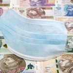 NBP: Zysku sektora bankowego spadł o połowę