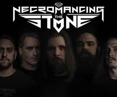 Necromancing The Stone z kontraktem