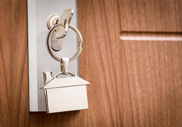 Negocjacje ceny mieszkania nigdy nie są łatwe /©123RF/PICSEL