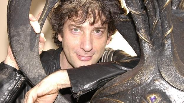"""Neil Gaiman: Nie ma szans na Nobla, ale co tam... Wystąpi w """"Simpsonach""""! /Splashnews"""