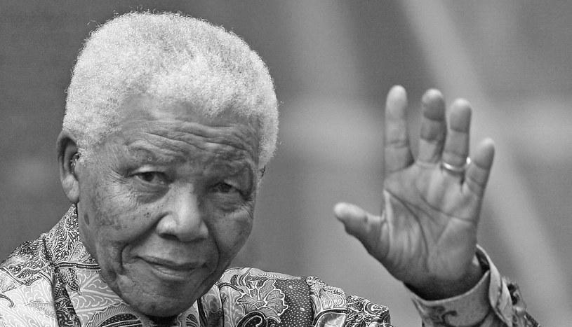 Nelson Mandela nie żyje. /AFP