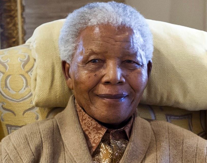 Nelson Mandela w swoim domu w lipcu 2012 roku /AFP