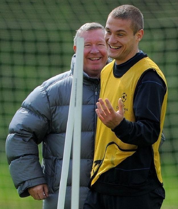 Nemanja Vidic i Alex Ferguson, czyli najlepsi z najlepszych w Premier League. /AFP