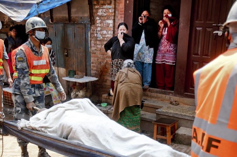 Nepal po trzęsieniu ziemi /DIEGO AZUBEL /PAP/EPA