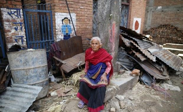 Nepal: Wzrosła liczba ofiar trzęsienia ziemi w Nepalu