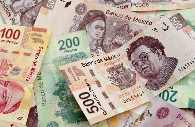 Nerwowość przeniosła się na kolejny rynek, a dotyczy meksykańskiego peso /©123RF/PICSEL