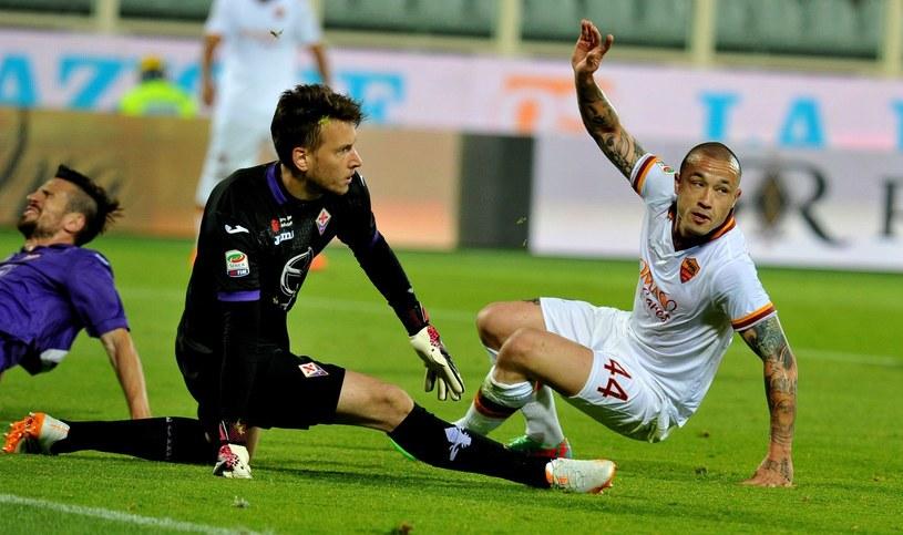Neto podczas spotkania z Romą. Czy jego rywale, będą w przyszłym sezonie jego kolegami? /AFP