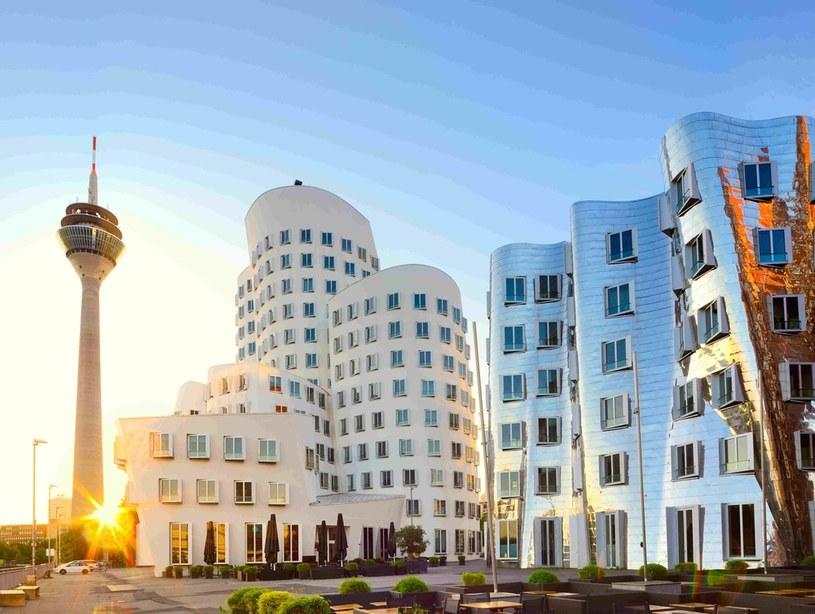 Neuer Zollhof to dzieło amerykańskiego architekta, Franka O. Gehry'ego / fot © Francesco Carovillano / GNTB /materiały promocyjne