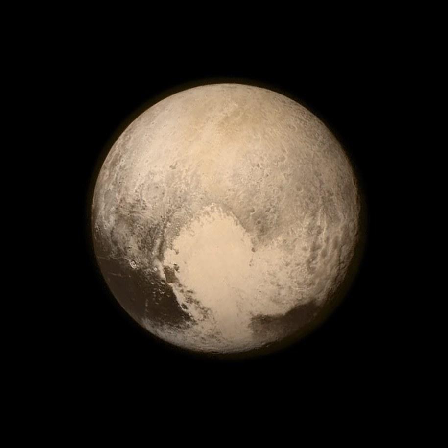 New Horizons zbliżył się do Plutona /NASA /PAP/EPA