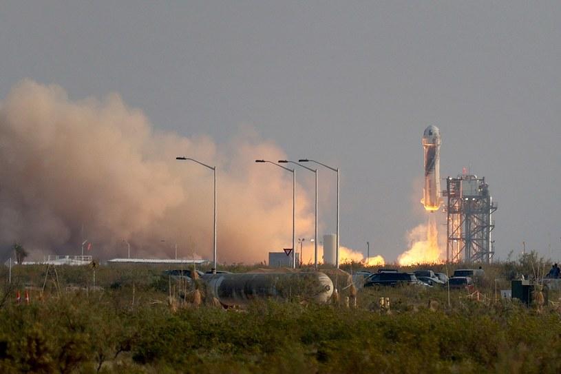 New Shepard wystartowała z Teksasu z załogą czterech astronautów. Joe Raedle/Getty Images/AFP /AFP